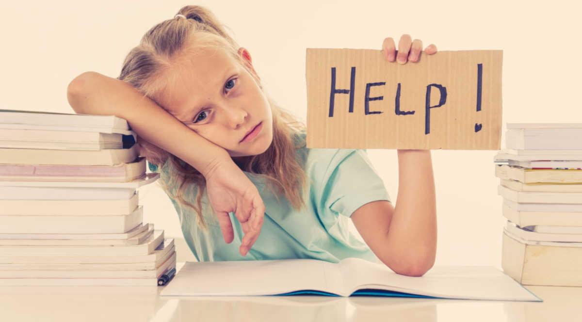 Alumna frustrada pidiendo ayuda